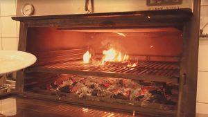 peci na cumur sa grillom